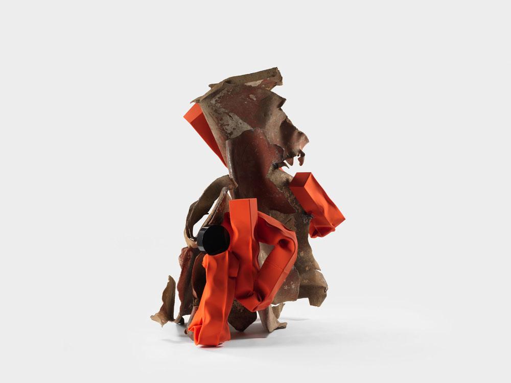 Renowned artist Carol Bove installs sculptures on Claremont McKenna College campus