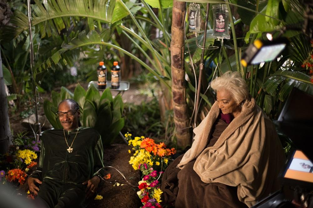 Behind the Scenes: (L to R) Snoop Dogg and Nichelle Nichols on the set of Unbelievable!!!!!